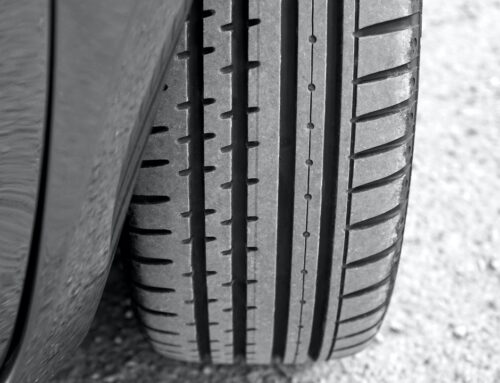 Vælg det rigtige dæk til din bil